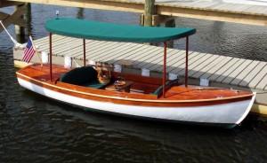 painted-hull_mahoagany-sheer -planks